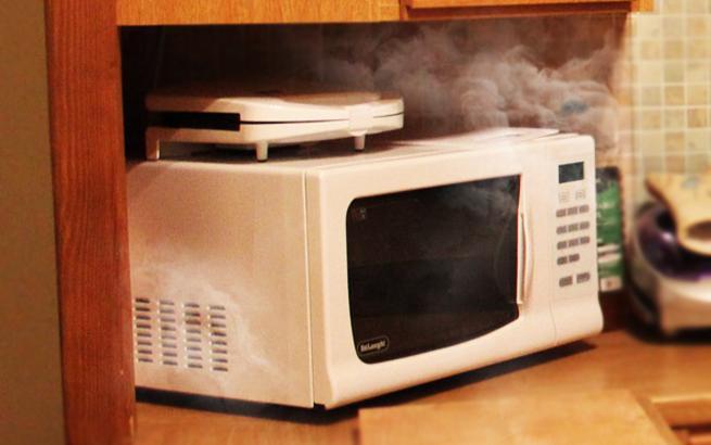 microwave oven smoke