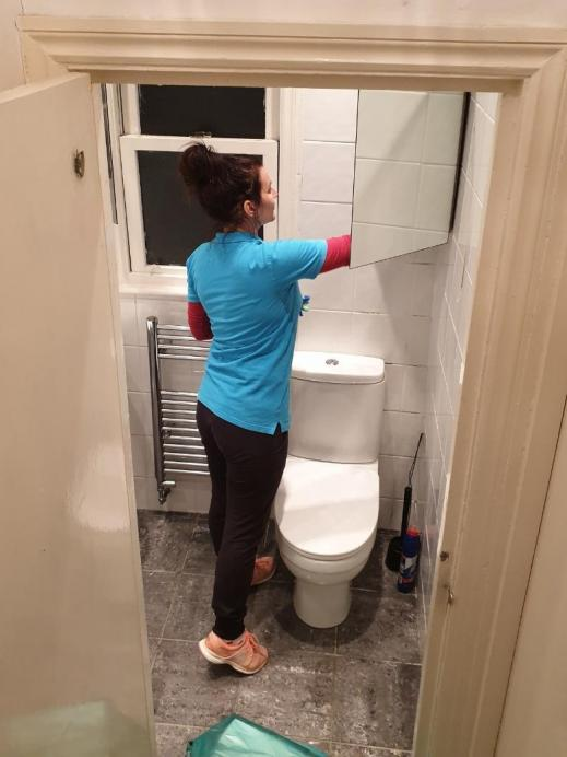 end of tenancy toilet cleaning